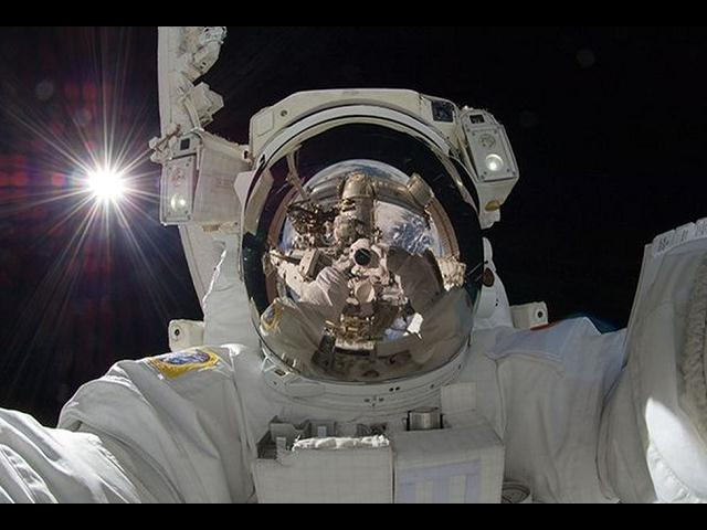 Astronauta Aki Hoshide Selfie en el Espacio (Foto: NASA)